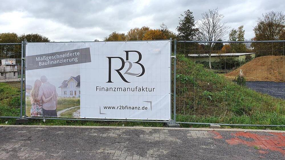 Baustellenbanner R2B Finanzmanufaktur