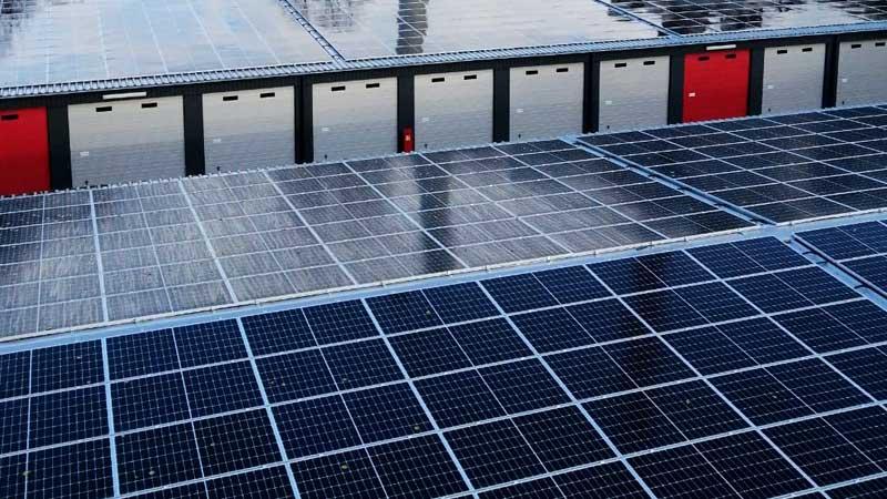 Solaranlagen Dach MEGA-Garagenpark Datteln
