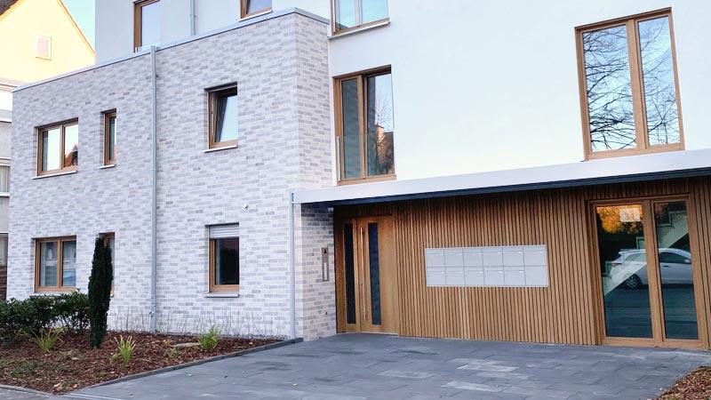 Eingang zum Mehrfamilienhaus 11 Wohneinheiten in Waltrop - realisiert durch die R2B Finanzmanufaktur